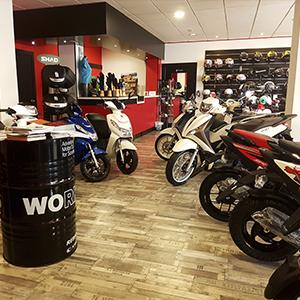 Tienda formula motos armilla granada concesionario motocicletas scooter